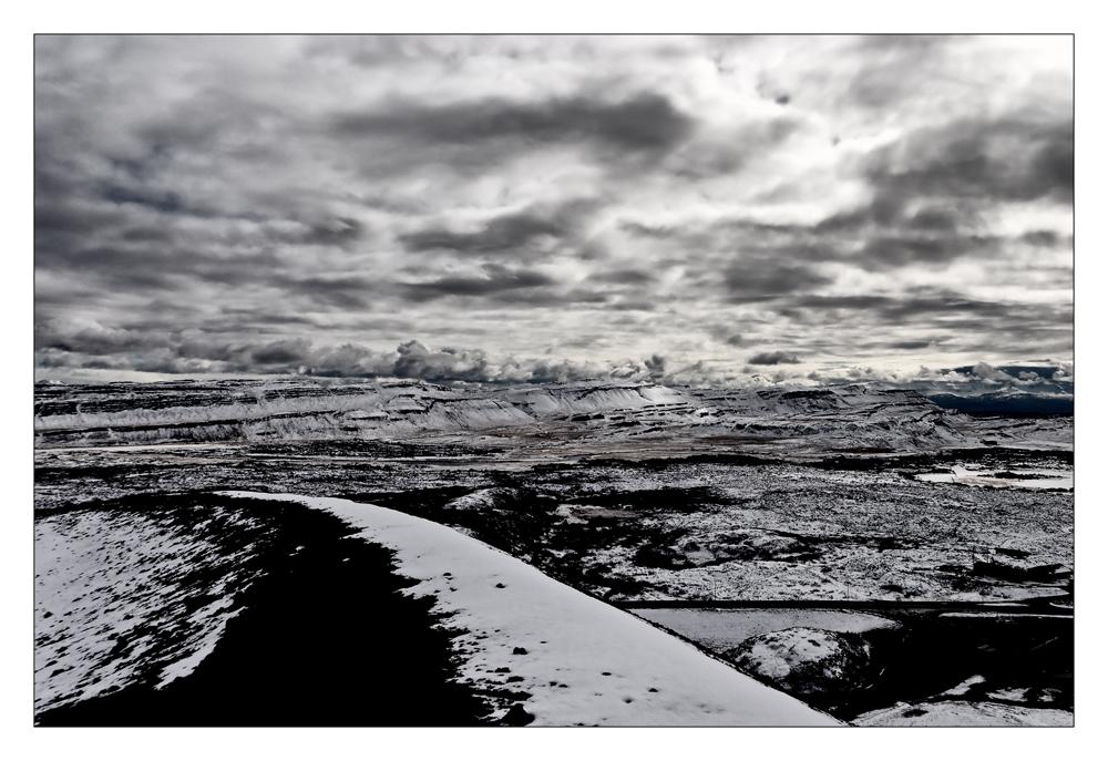 Auf des Kraters Rand