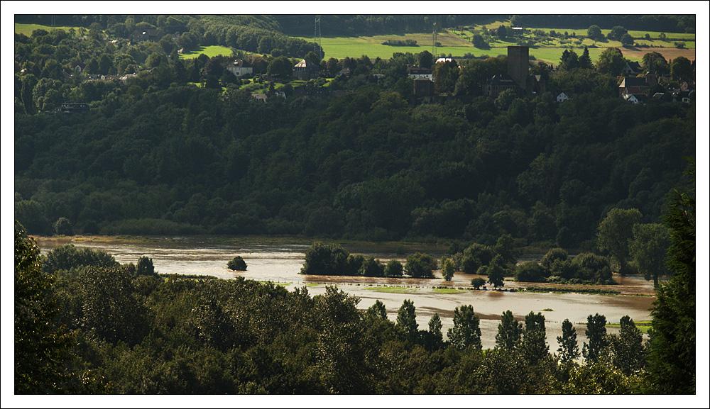Auf diesem Bild ist ein kleiner Fluss versteckt - finde ihn !