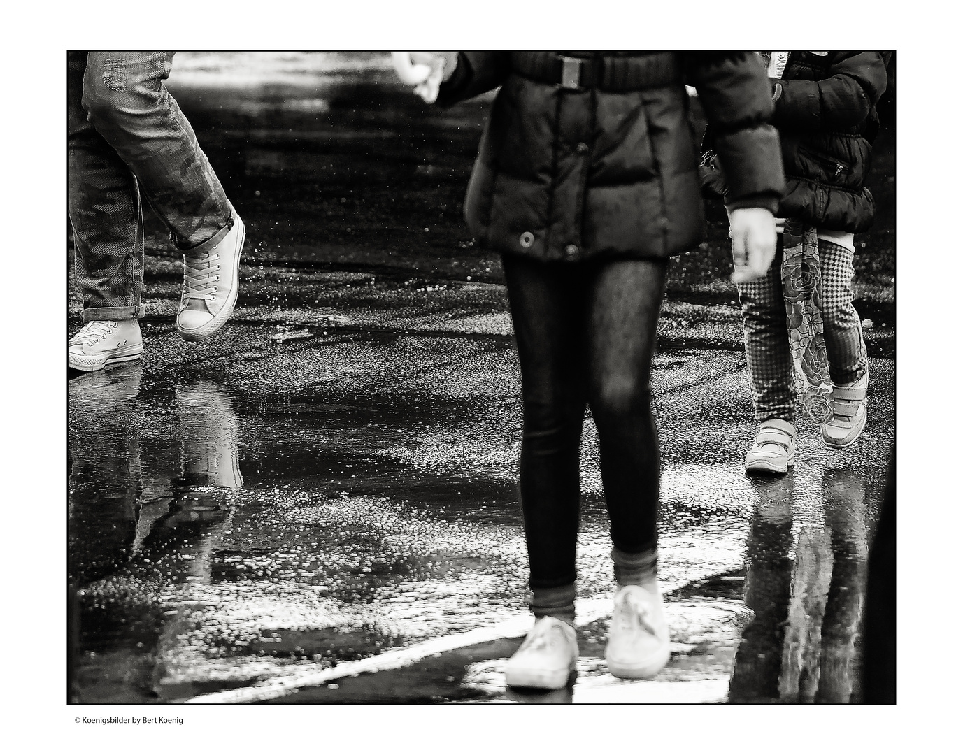 Auf nasser Straße