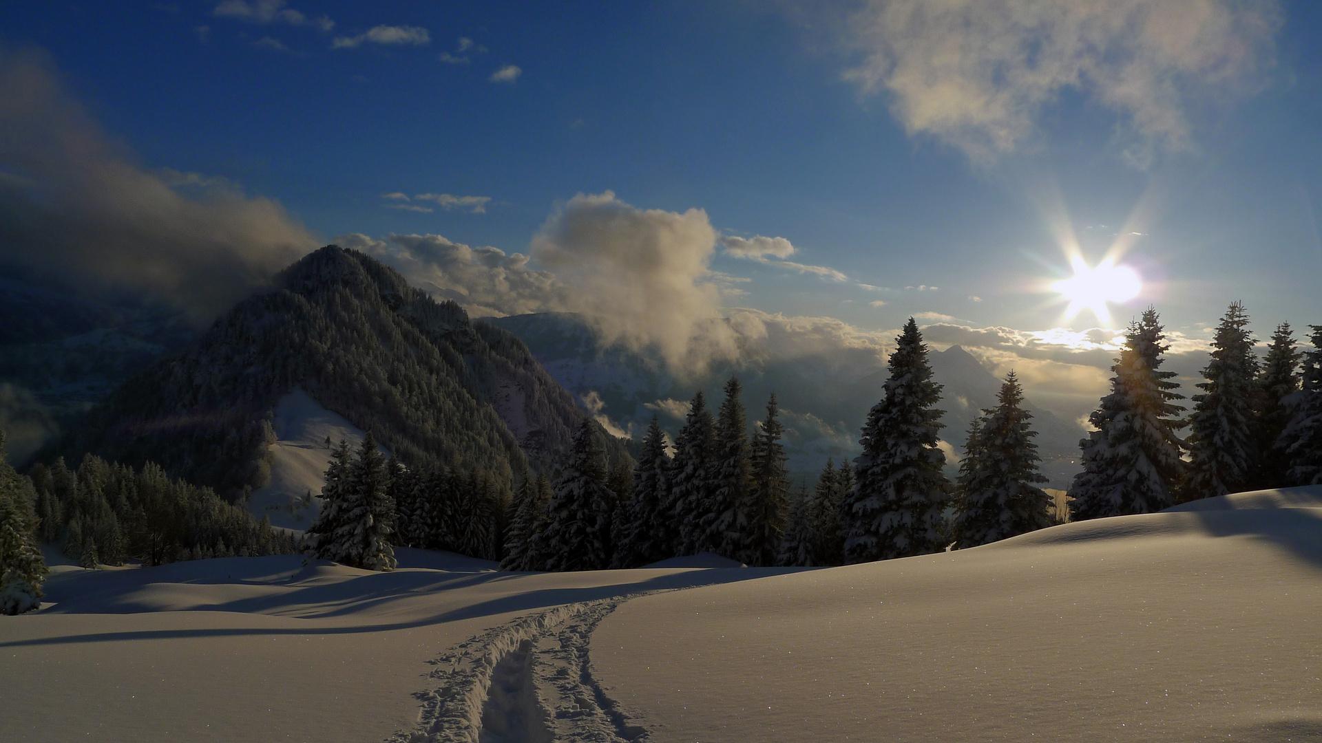 Auf Schneeschuhtour oberhalb von Hinterbergen