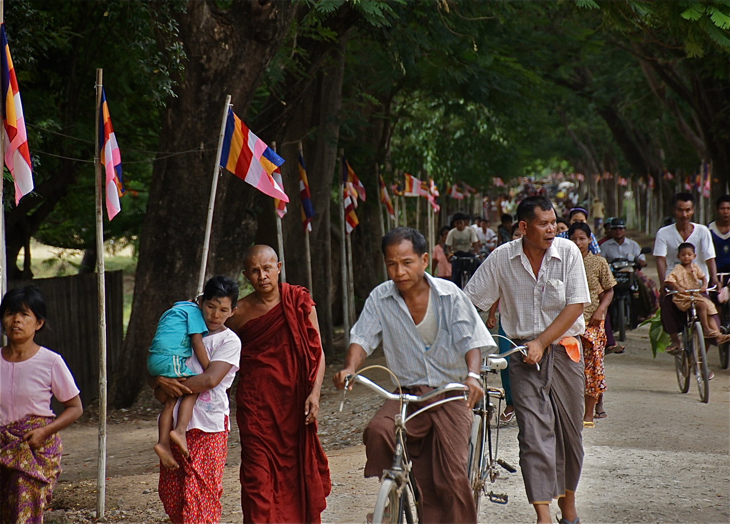 auf zum tempelfest, bezirk mandalay, burma 2011