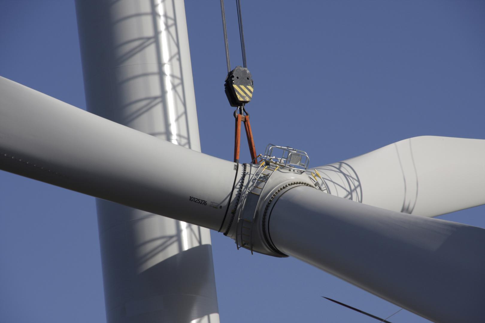 Aufbau einer Windkraftanlage, Montage Rotor