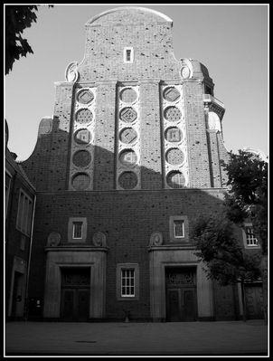 Auferstehungskirche Düsseldorf-Oberkassel