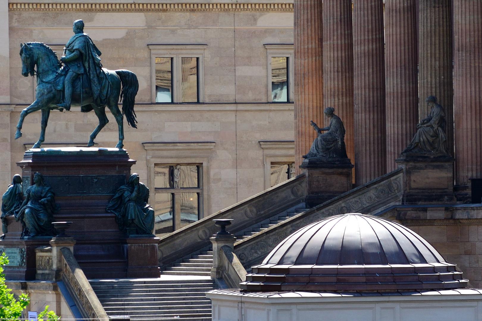 Aufgang zur Alten Nationalgalerie