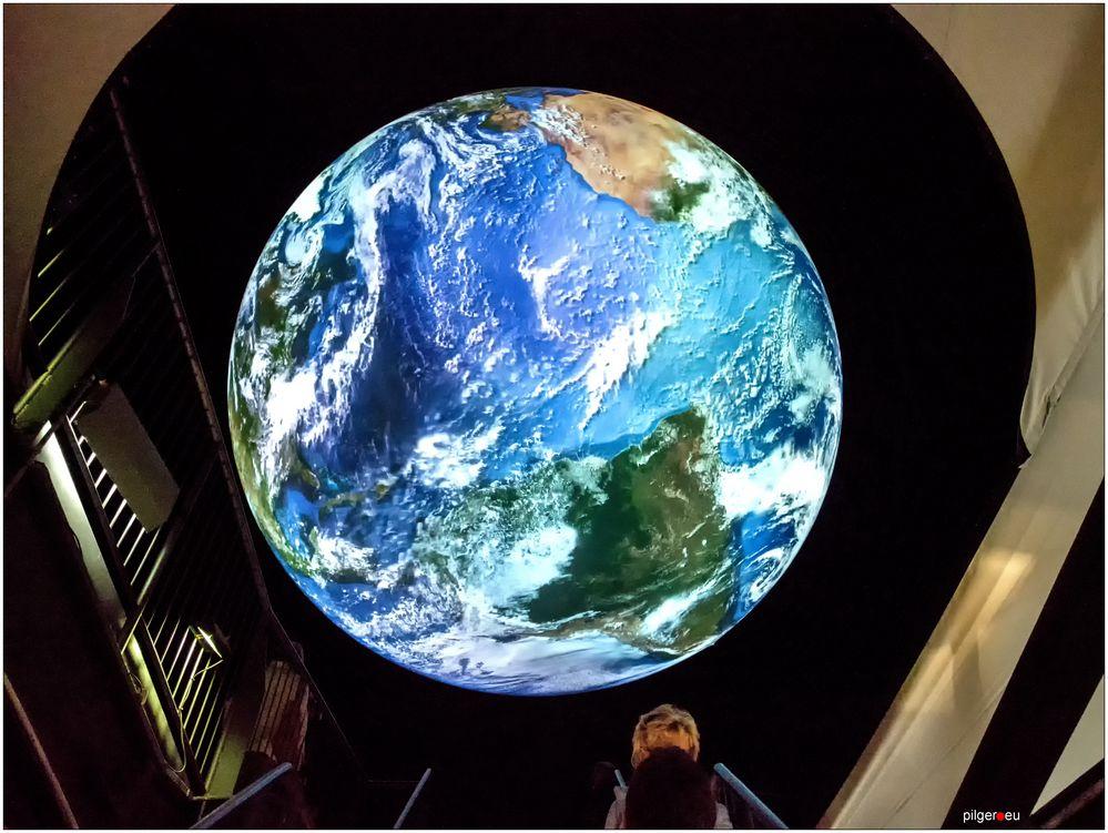 Aufgang zur Erde