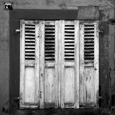 Aufgegebene Orte: Fensterladen