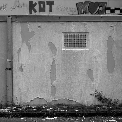 Aufgegebene Orte: Gitterfenster