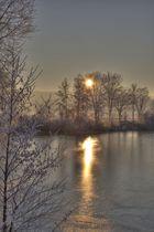Aufgehende Sonne am eiskalten Wallenstedter Teich