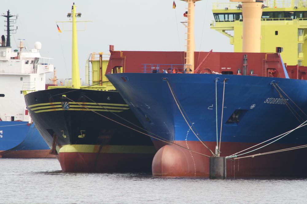 Auflieger im Emder Hafen 4