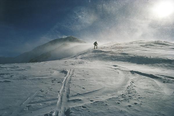 Aufstieg bei Sonne und Sturm