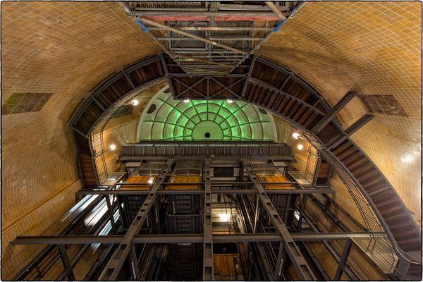 Aufzüge im Alten Elbtunnel