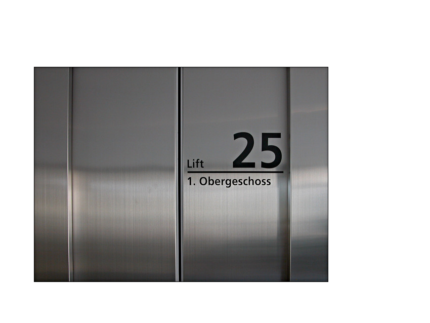 Aufzug zur...