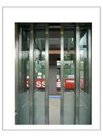 Augen-Blicke, live in an elevator (Ohligsmühle Eberfeld Schwebe-bahnhof)