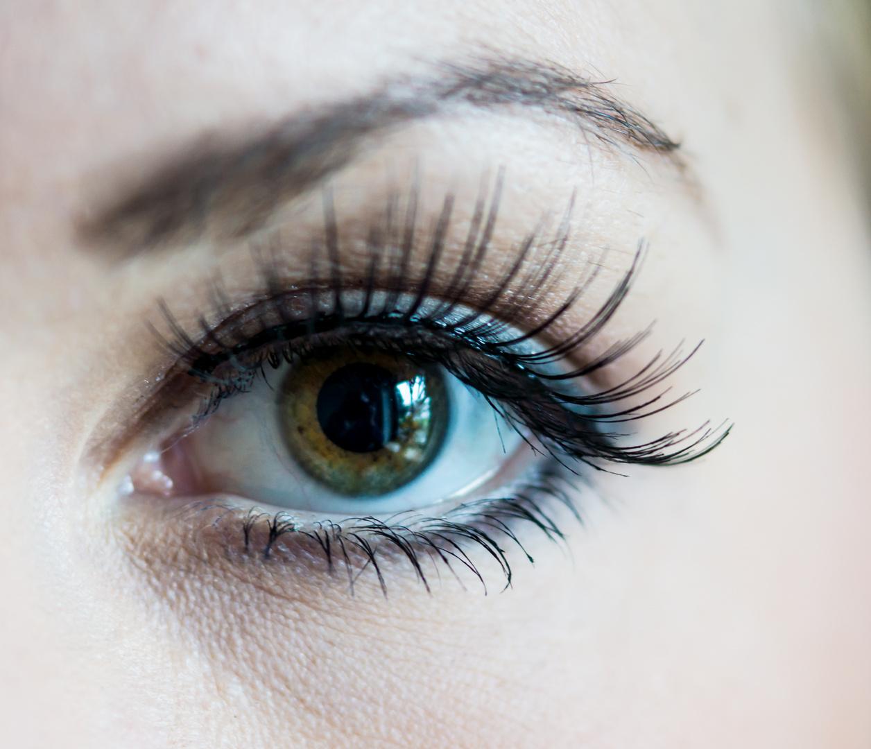 Augenaufschlag - Christina