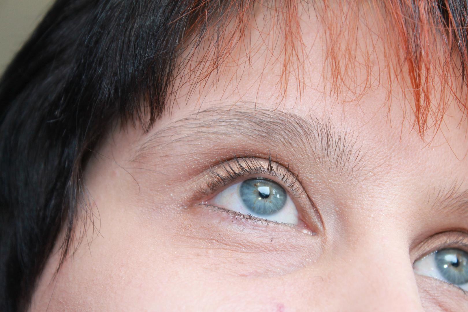 Augenpartie einer Frau