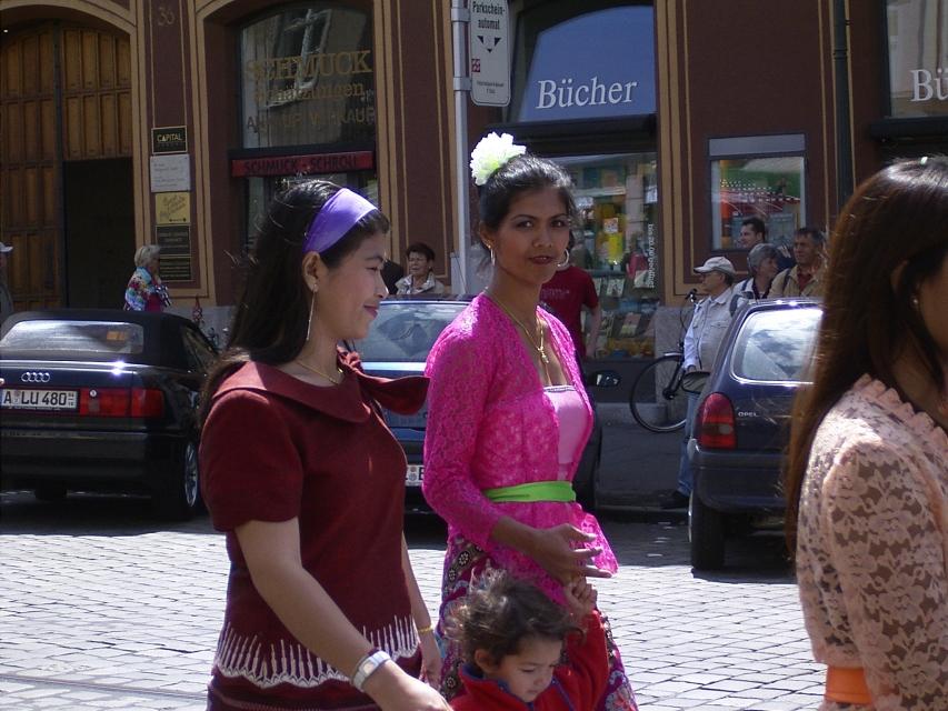 Augsburg, Asia woche