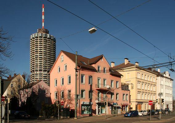 Augsburg: Gögginger Straße und Hotelturm