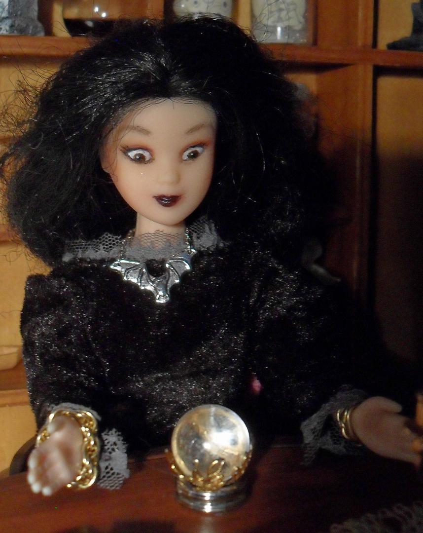 Aura, die kleine Hexe