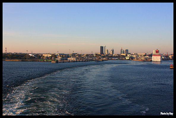 Ausfahrt aus dem Hafen von Tallin