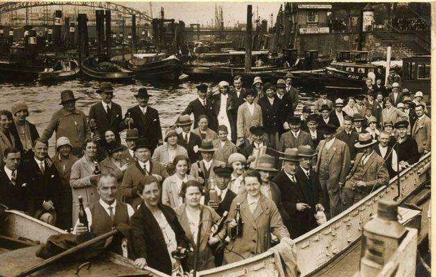 Ausfahrt im Hamburger Hafen 1930 - Sparclub Kap Horn