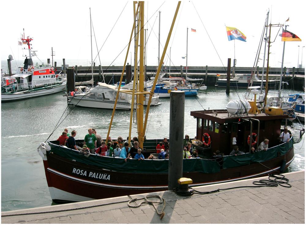 "Ausflugsschiff "" Rosa Paluka"""