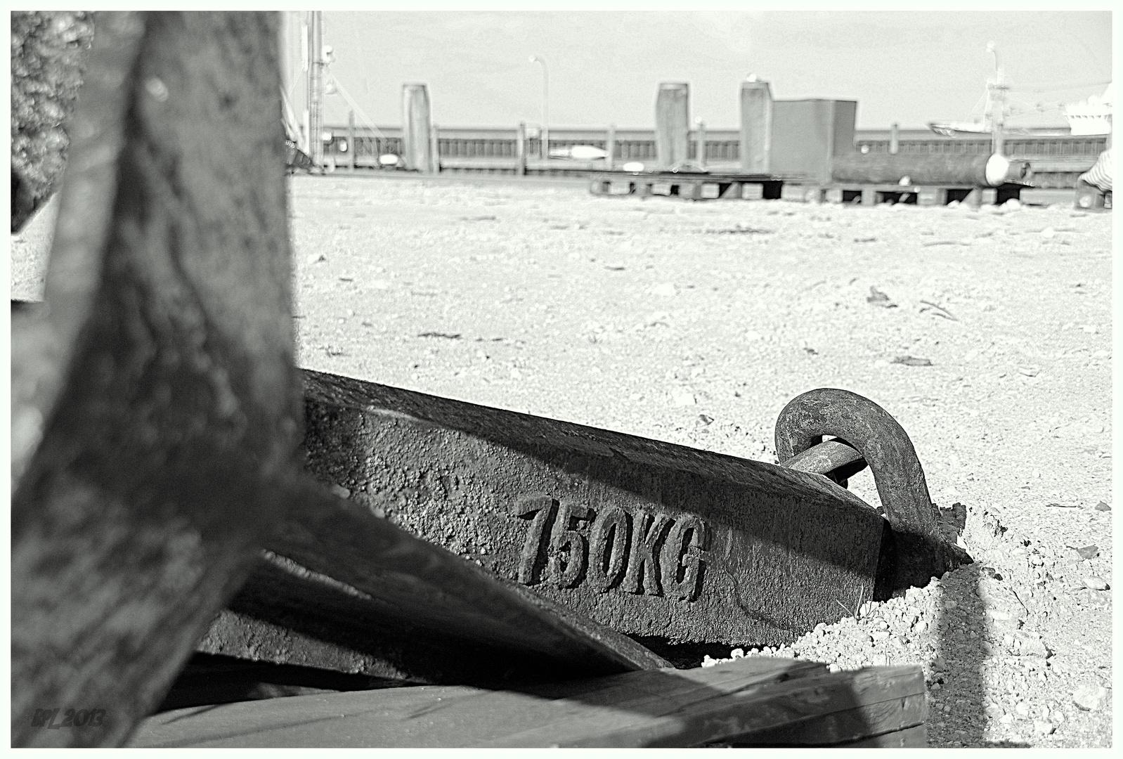 Ausgedienter Anker verlassen am Hörnumer Hafen