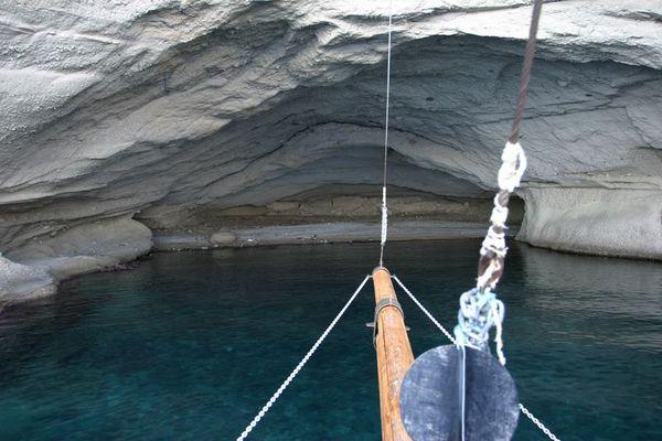 ausgewaschene Höhle im Sandsteingebirge