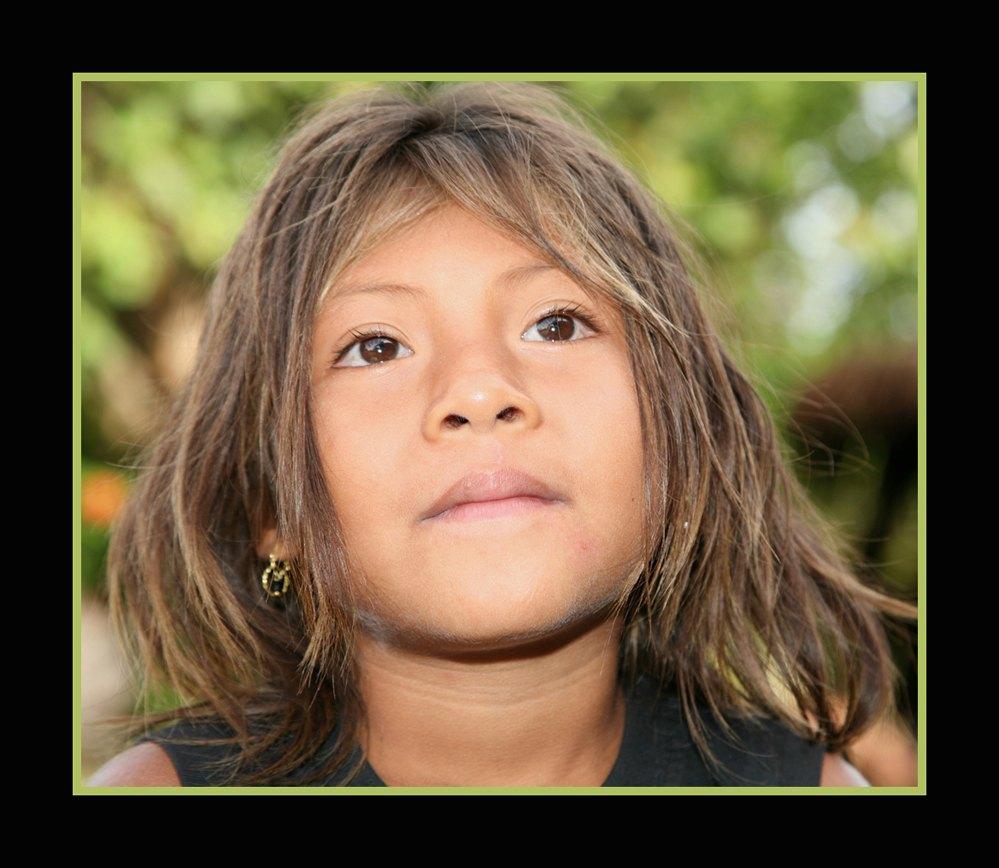 Ausschnitt Indio-Mädchen in der Farbversion Foto & Bild