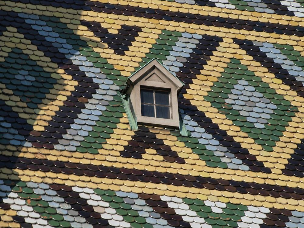 Ausschnitt vom Dach des Wiener Stephansdoms