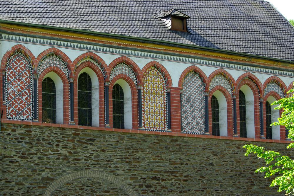 Außenbemalung an der Abteikirche Sayn in Bendorf-Sayn/Rhein