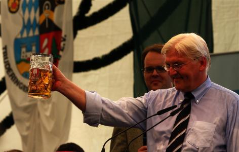 Außenminister Frank-Walter Steinmeier (SPD) besteht die Bierzelt-Probe