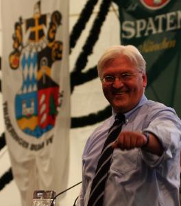 Außenminister Frank-Walter Steinmeier (SPD) im Bierzelt München-Trudering