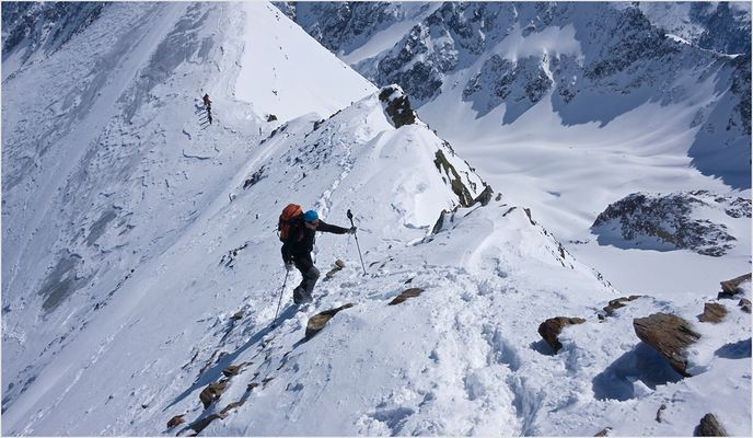 Austieg über den Gipfelgrat zur Östlichen Seespitze