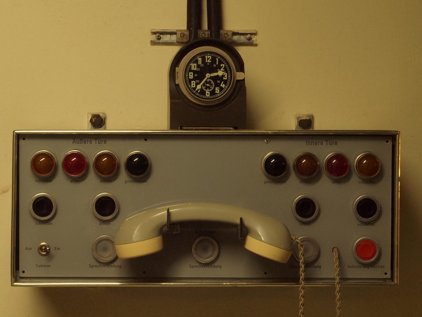 Ausweichsitz NRW - Telefon zum Bunkereingang -
