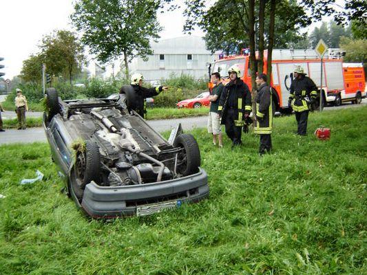 Auto überschlagen - keine Verletzten