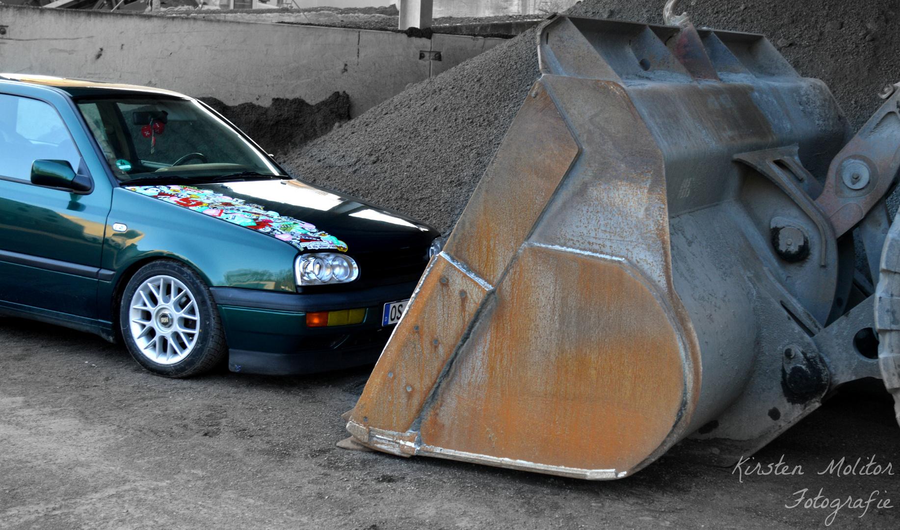Auto vs Schaufel