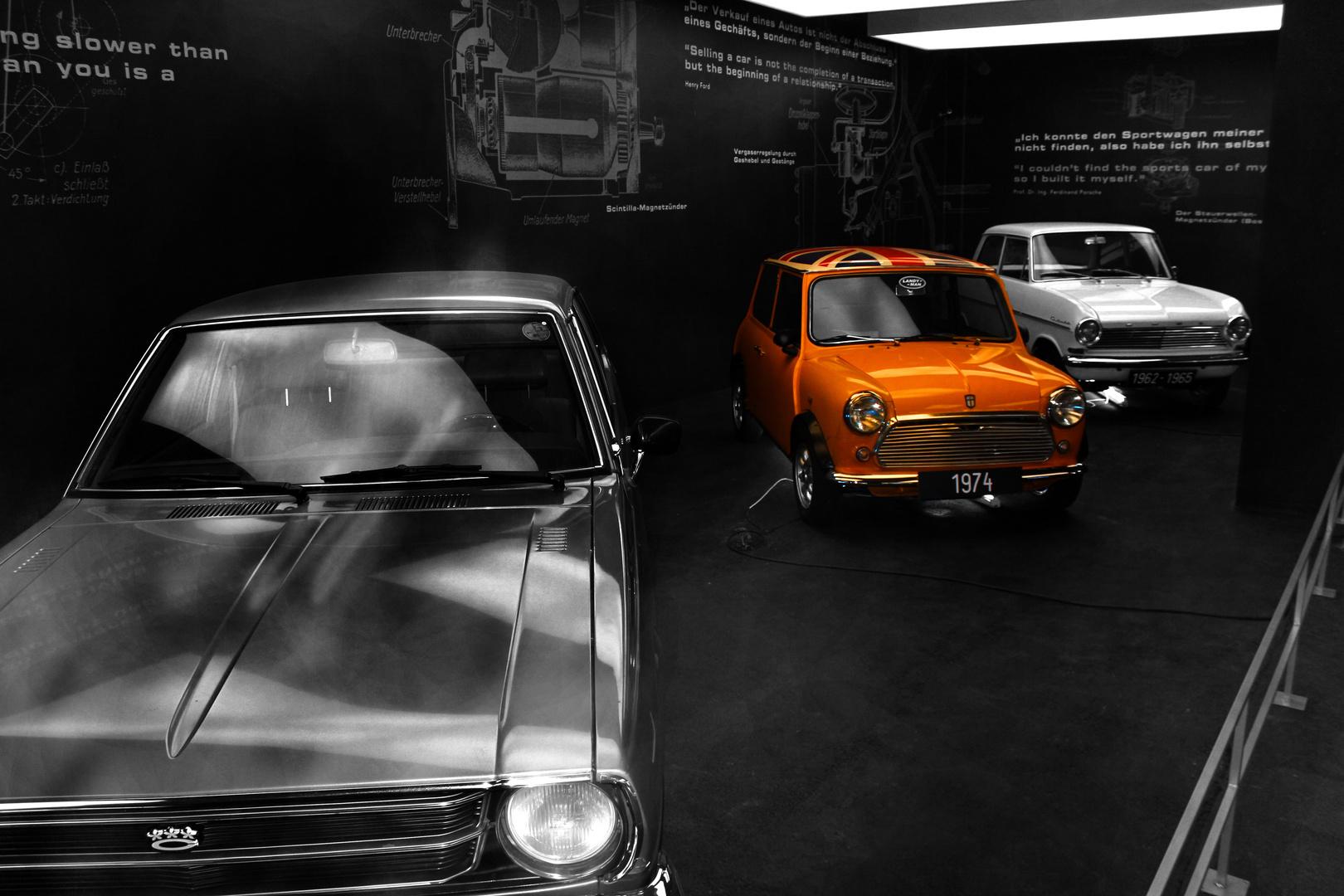 Autoausstellung auf dem Großglockner
