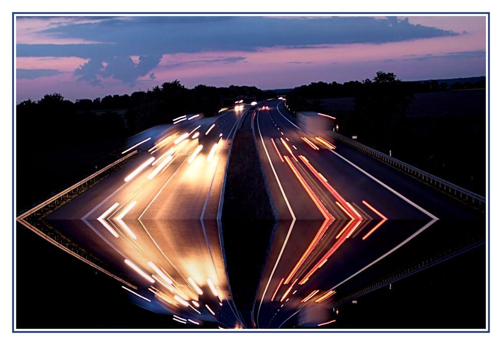 - - Autobahn - Abrisskante - -