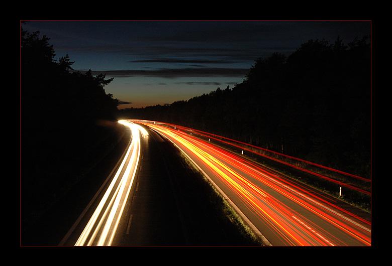 * Autobahn bei Nacht *