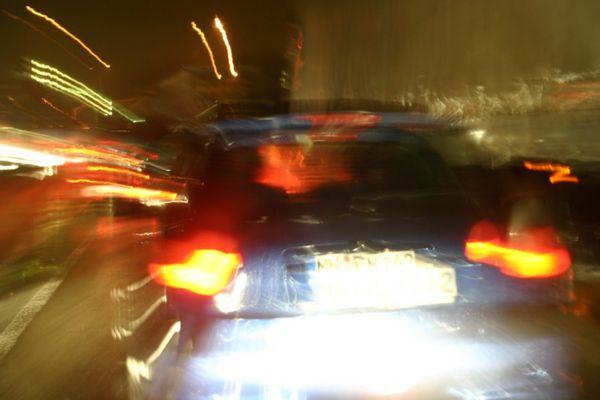 autobahn - nachts - regen - stau