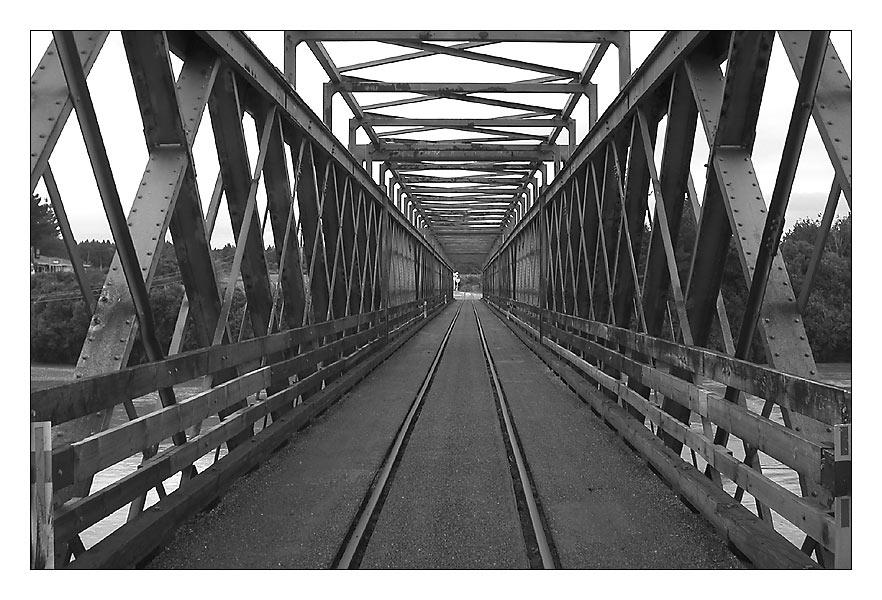 Auto&Eisenbahnbrücke
