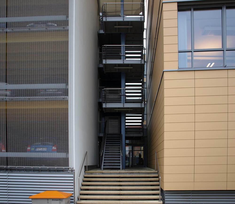 Autohaus-Treppen