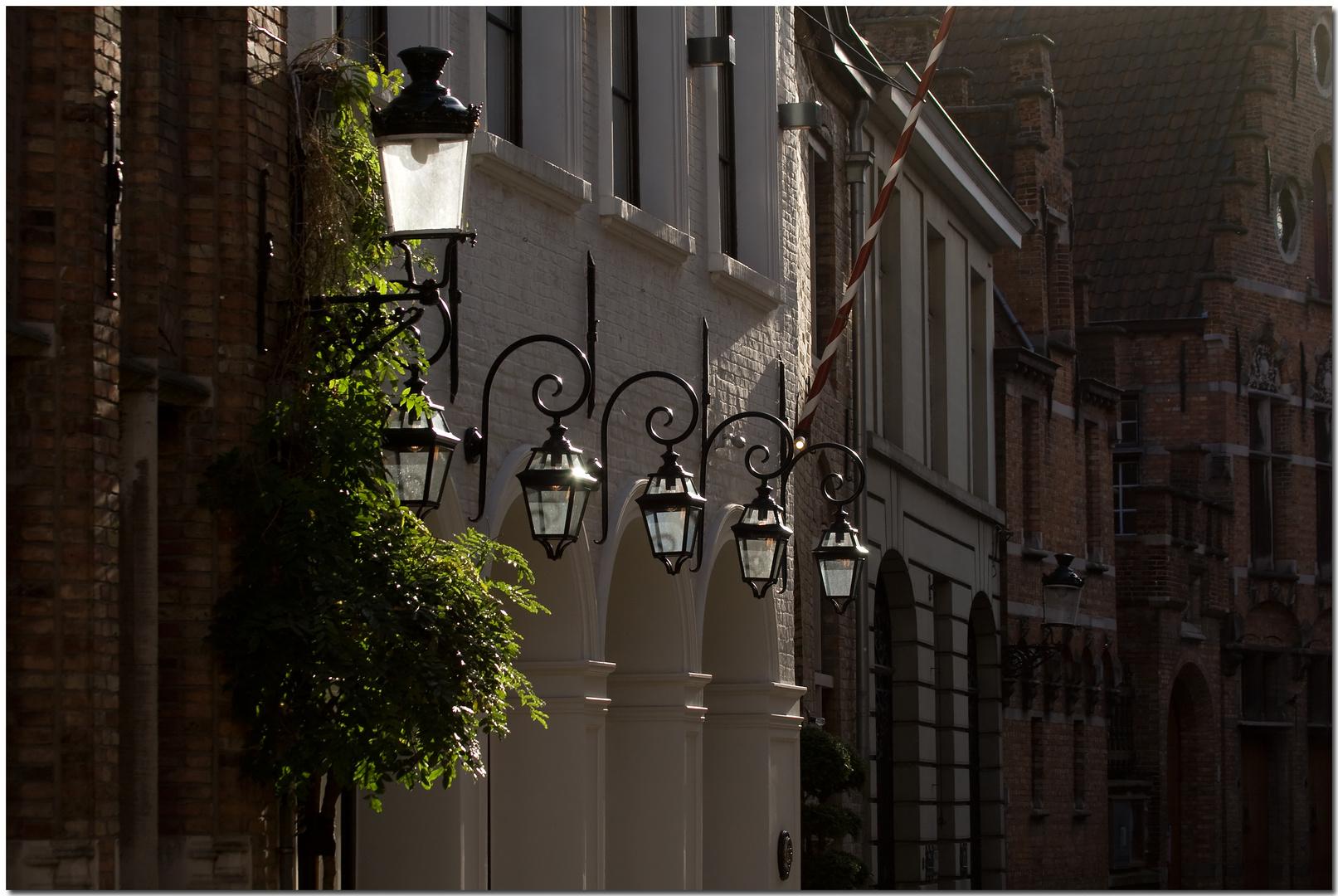 Automne à Bruges VIII Lumière sur blanc