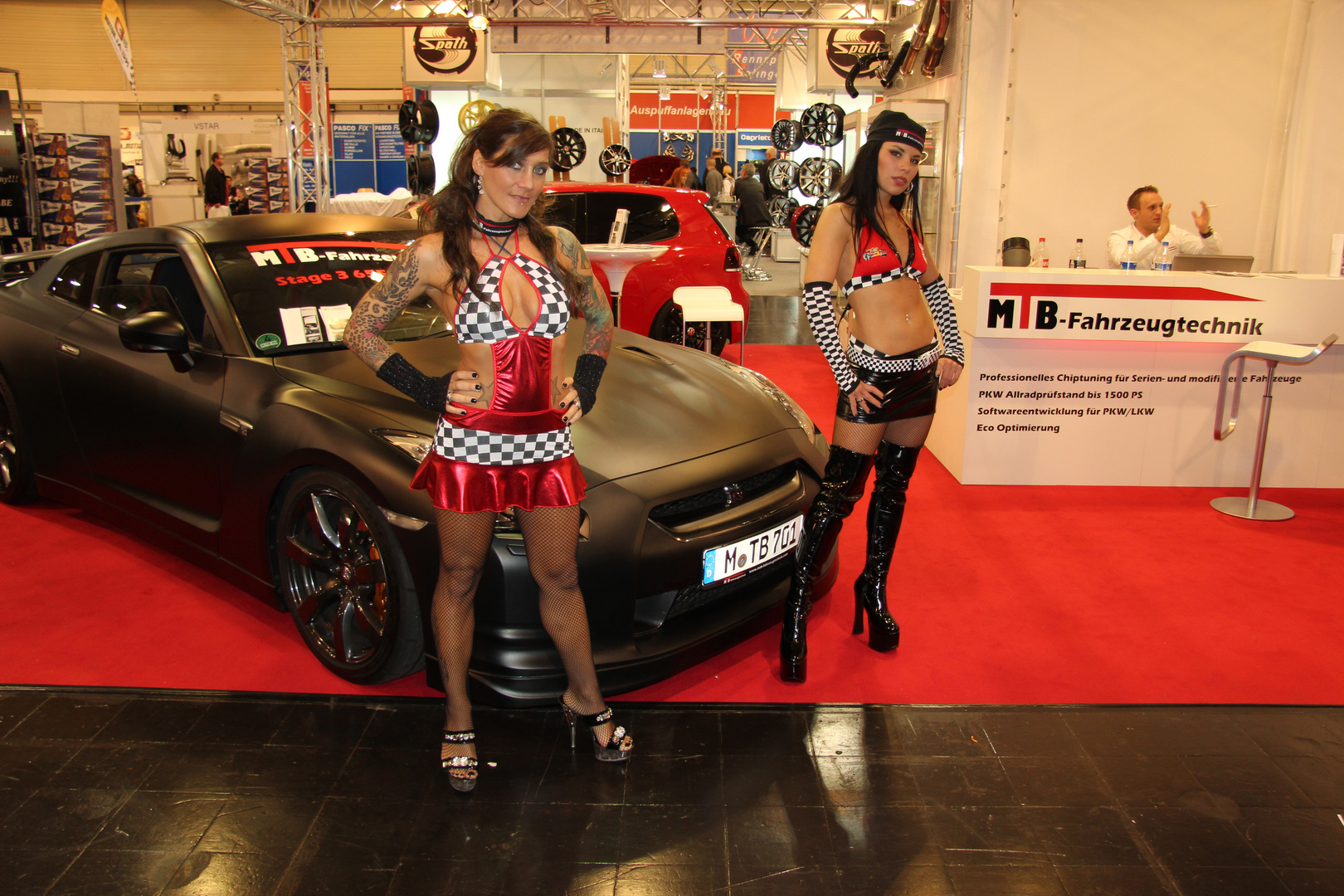 autos sch ne frauen auto motorshow in essen foto bild reportage. Black Bedroom Furniture Sets. Home Design Ideas