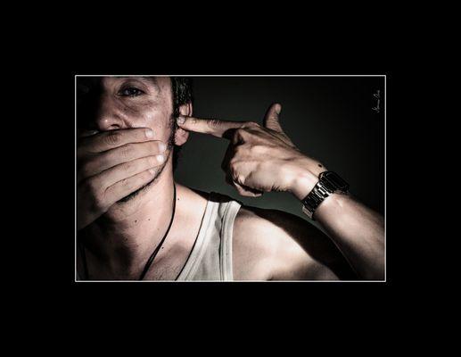 Autosecuestro?... No Hables!!! No Escuches!!!...