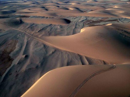 Autospuren in Namibiën