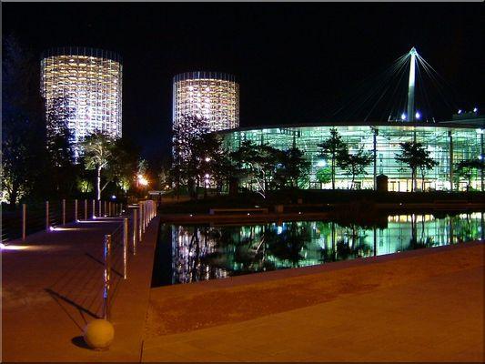 Autostadt bei Nacht