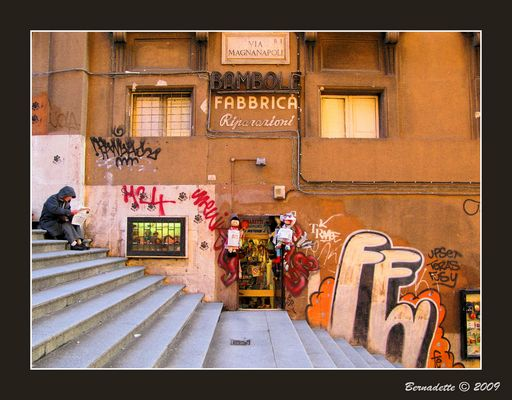 Aux abords de la Piaza Venezia à Rome