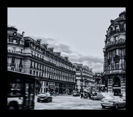 AV. de l ´Opera - Street life -