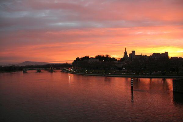 Avignon au crépuscule